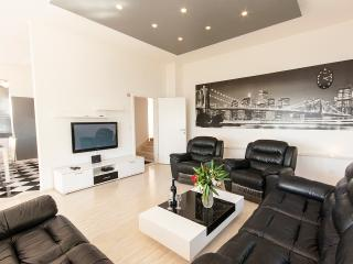 Villa Enjoy - Apartment 2, Dubrovnik