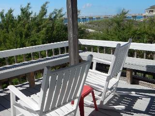 Laing - Large Oceanfront beach house with 2 kitchens and living rooms, Wrightsville Beach