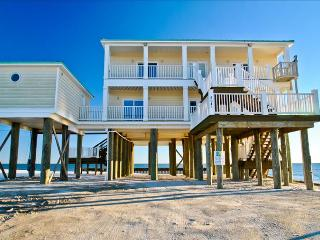 Shamrock Shores-One of the Largest, Finest and Newest Gulf-front homes on Dauphin Island