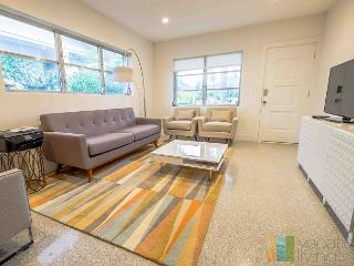 Renovated Mid Century Modern Home close to Beach and Atlantic!, Delray Beach