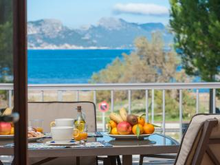 Sa Marina, Fantastic beachfront apartment with stunning views, Alcudia