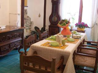 Luxury Accomodation since 1400   'Be my guest', Pieve di Teco