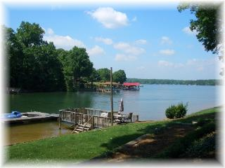What a View! Great Family meeting place., Lake Norman