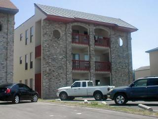 Southwinds #102 2-3 minute walk to beach access, Ilha de South Padre