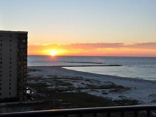 Awesome Beachfront and Owner Managed 3 Bedroom, Orange Beach