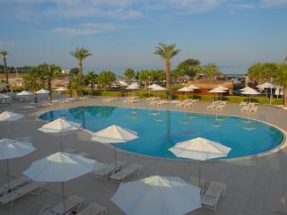Apollonia Beach Resort Luxury Deluxe Apartment 568, Akbuk
