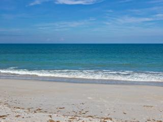 1 bed, 1 bath newly renovated beach apartment, Vero Beach