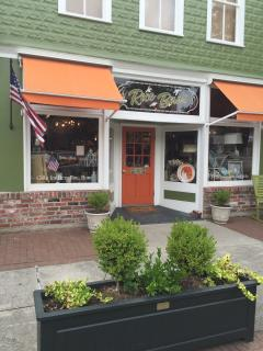 Adorable gift shop on Historic Front Street