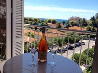 Beautiful apartment in Menton Great for Children