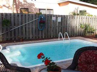 House with pool 2bed/1bath, Bradenton