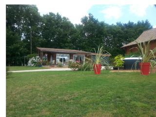 GITEM MAISON HOTES MAISON DE BOIS JOLI en PERIGORD, Grignols