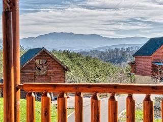 Spectacular View, New Listing, Sleeps 9, Pigeon Forge