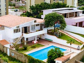 Big house for up to 15 ppl with pool in Margarita, Porlamar