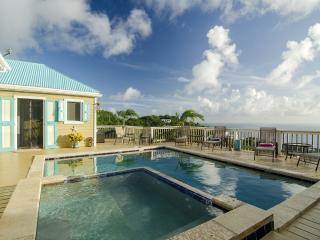 Beautiful 2 Bedroom Home with Pool, view Ocean