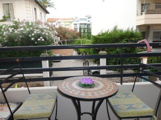 Celine apartment in Central Cannes with balcony