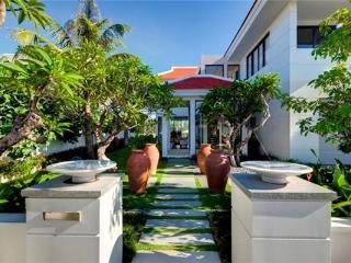Ovi villas: Four bedroom villa with private pool, Da Nang