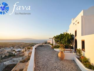 Fava Eco Residences - Unique Villa, Oia