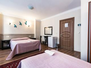 Centrally Family Room up to 4 pax, Estambul