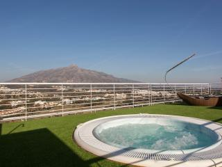 La Corniche Luxury Prime Golf penthouse Apartment., Puerto Banús