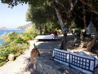 On Tuscany Coast's Beloved Argentario , 5 Br Villa overlooks the Sea, Porto Ercole