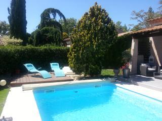 villa avec piscine  privative chauffée, Grans