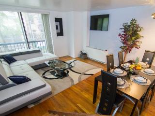 Triplex 2Bedroom/ Sleep 6 / Elevator /West Village, New York City