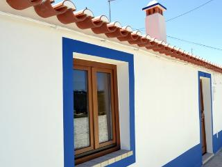 NEW - Charm Property. Two Rooms, Balcony, and Stunning Vies, Odeceixe