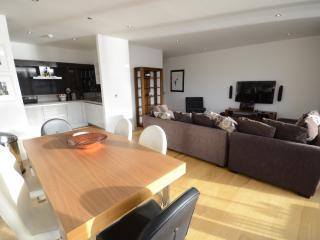 Stunning 5 Star Waterfront Apartment, Dublin