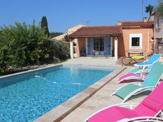 villa piscine au sel à 6 km des plages & calanques, Cassis