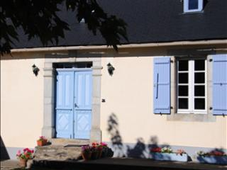 Character Farmhouse in the Hautes Pyrenees, Lannemezan