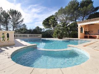 Villa piscine entre golf massif Esterel et mer, Saint-Raphael