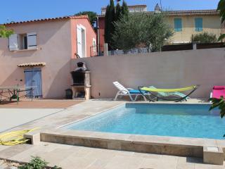 villa piscine au sel à 6 km des plages & calanques