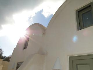 New Guesthouse 10m from the Beach, Perissa