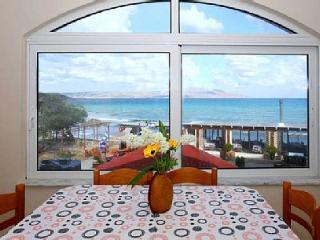 Wohnung mit super Meerblick direkt am Strand, Almyrida