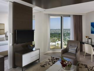 Marina Beach Suite Sea View with Pool, Herzliya