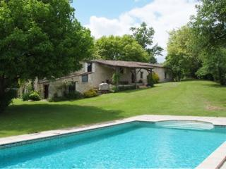 Beautiful restored farmhouse on the Dordogne, Pessac-sur-Dordogne