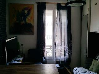 CHEAP FLAT IN THE DOWNTOWN OF PARIS !!!!, Paris