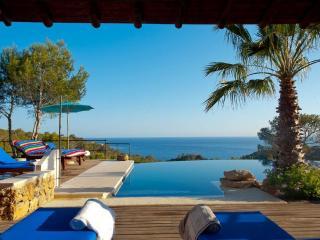 Villa con 3 casas independientes 3 piscinas 14 pax, Sant Josep de Sa Talaia