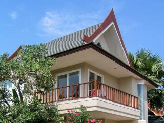 Villa on the beach, 3 bedr. 3 bath, Cha-am