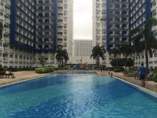 2BR Condo Unit By Mall of Asia with Free Internet, Pasay