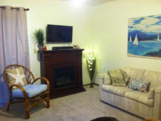Roomy 1 bedroom studio with separate entrance, Ventura