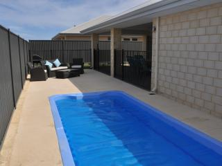 pool lounge & bbq