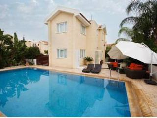 Luxury 3 bedroom villa with 10x5m swimming pool !, Protaras