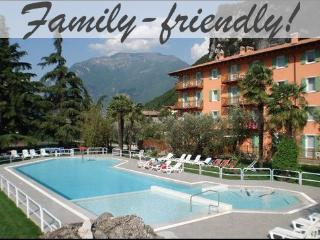Great Riva apartment with pool, free bike hire +, Riva Del Garda