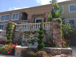 5 STAR REVIEWS HUGE 1 BDRM 1BLK2DOWNTOWN-3TOBEACH, Laguna Beach