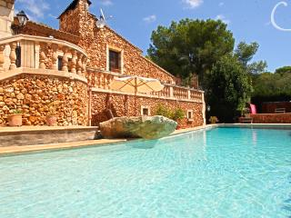 Lovely villa with private beach, Son Servera