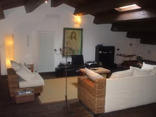 Apartment Santa Maria with private entrance, Montescudo