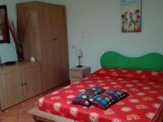 Delizioso appartamento free wifi, Nápoles