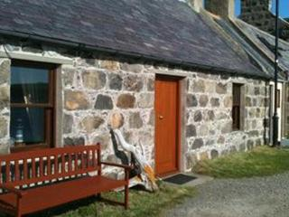 Cosy Fishermans Holiday Cottage, Crovie, Scotland, Gardenstown