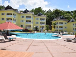 Crane Ridge Resort,pool,wi-fi,beach, tennis court